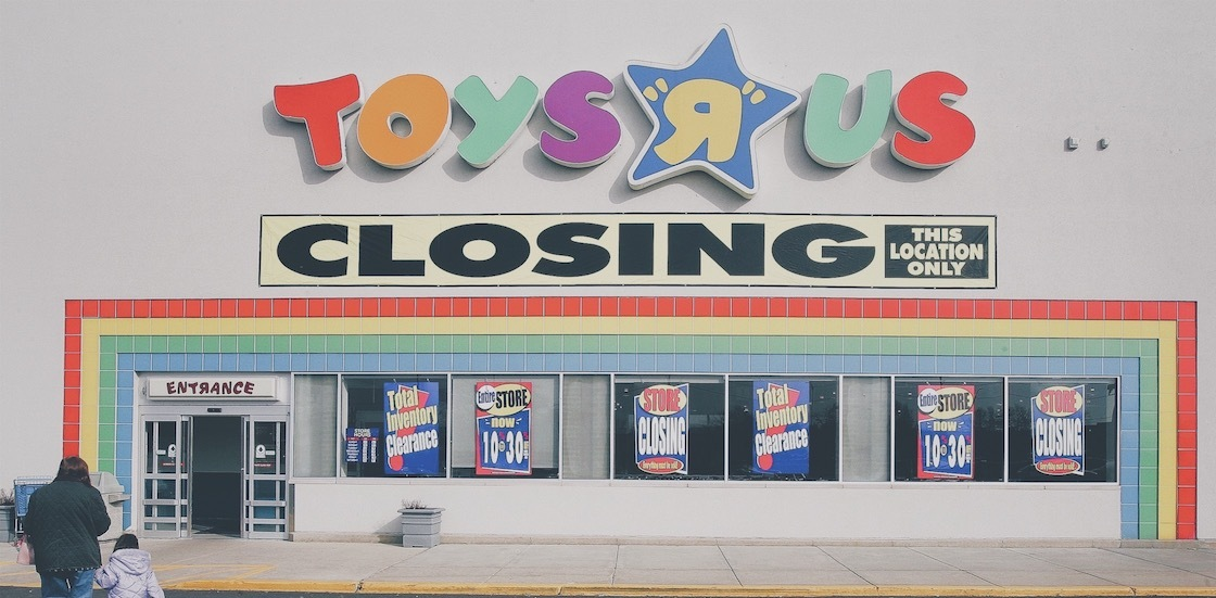 toysrusclosing_cropped_181102_190030.jpg